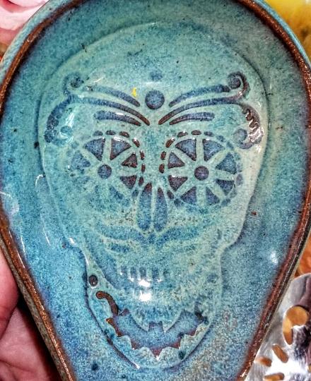 sugar skull spoon rest